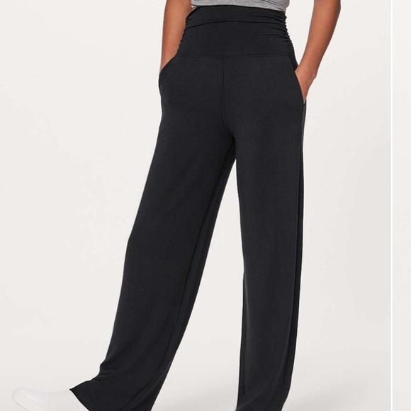 Lululemon Womens Sz 4 Take It Easy Wide Leg Pants